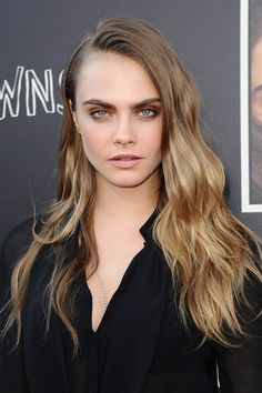 Red carpet hairstyle. Loose curls/waves - Cara Delevingne. Celebrity Hairstyle.