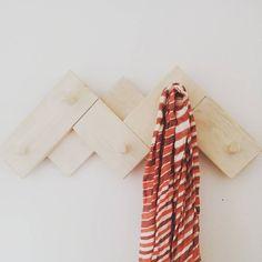Finally we found some spare time to hang our Cimas coar rack!! // Entre tanto trabajo, finalmente hemos encontrado tiempo para colgar nuestro perchero Cimas!! #design #furniture #pinewood #basquedesign #diseño #muebles #muebleslufe #diy #pino