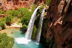 Havasupai Lodge Supai, Arizona Struggle all morning and afternoon through the canyons leading to the Havasu Reservation at Havasupai to be met by some of the most gorgeous water you've ever dreamed of swimming in. Rich with. Havasupai Falls, Havasupai Arizona, Mountain Waterfall, Waterfall Hikes, Costa Rica, Places To Travel, Places To See, Travel Stuff, Naturaleza