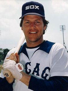 Carlton Fisk - Chicago White Sox Most Red Sox fans forget the Fisk played 2 more seasons and 400+ more games for the White Sox