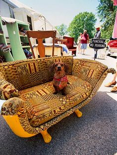 NOT my type of fabric but what a great idea to turn an old claw-foot tub into a sofa!!  Just needs different fabric.