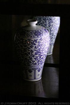 Min Jiang vases © J Horak-Druiff 2012