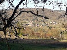 """[Corrèze] Les hauts de Collonges Départ de l'église de Collonges. On s'échauffe pendant les premiers kilomètres, car après le château d'eau de Meyssac, trois côtes se succèdent pour arriver sur la butte. Joli passage entre les étangs d'Orgnac. Avant de redescendre sur Collonges, attention de ne pas se laisser emporter par la vitesse sur la route. Après le lieu-dit """" la Côte"""", chemin à droite qui finit fort en bas !"""