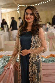 Lace jacket, but don't like it, especially over dark dress. Indian Attire, Indian Wear, Pakistani Outfits, Indian Outfits, Pakistani Bridal, Net Gowns Pakistani, Lace Jacket, Gold Jacket, Pakistan Fashion