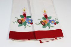 Set of 2 Embroidered Applique Towels Christmas by PastSplendors