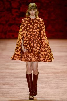 Akris Fall 2016 Ready-to-Wear Fashion Show This is no cat print but Macro+ Micro antilope motives