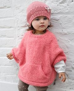Crochet Baby Poncho, Crochet Baby Sweaters, Knitted Poncho, Knit Crochet, Easy Knitting Projects, Knitting For Kids, Crochet For Kids, Shrug Knitting Pattern, Baby Knitting Patterns
