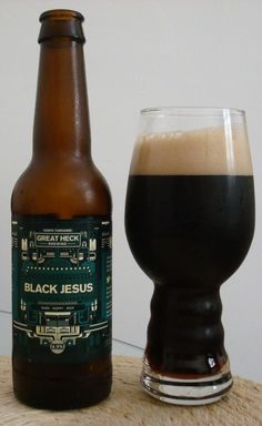 Cerveja Black Jesus, estilo Black IPA, produzida por Great Heck Brewing, Inglaterra. 6.5% ABV de álcool.