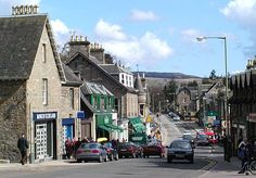 Google Image Result for http://www.undiscoveredscotland.co.uk/pitlochry/pitlochry/images/pitlochry-450.jpg