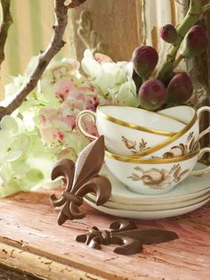 """ROYAL TREATS  """"Chocolate candy is a tiny pick-me-up that anyone can enjoy, especially when it comes in a pretty package,"""" says fine candy maker Michele Chauvin Hieger. Sample some of her sweets with these luxurious recipes."""