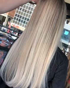 That healthy balay blonde shine holds up. Mix in for ? – stock up … – Blonde Hairstyles Blonde Hair Goals, Ash Blonde Hair, Blonde Hair With Highlights, Types Of Blondes, Kylie Jenner Hair, Hair Movie, New Hair Look, Hair Due, Long Hair Video
