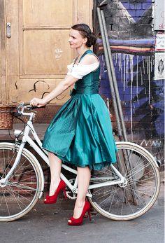 Dirndl Kinga Mathe Die Trachtentrends zum Münchner Oktoberfest 2012