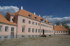 Moesgård herregård og museum  7 km syd for Aarhus.