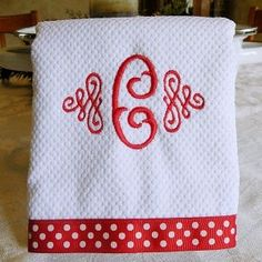 Embroidery Designs kitchen towels sewing projects with machine embroidery Machine Embroidery Gifts, Machine Embroidery Designs, Embroidery Ideas, Applique Patterns, Sewing Hacks, Sewing Projects, Embroidery Monogram, Embroidery Fonts, Polka Dot Fabric