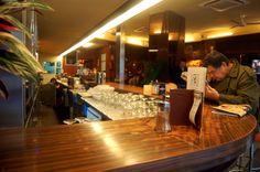 Barra Cafetería HD. Retro burguer & gins en Argüelles  (C/Guzmán el Bueno, 67 - Madrid). http://www.grupolamusa.com/cafeteria-hd