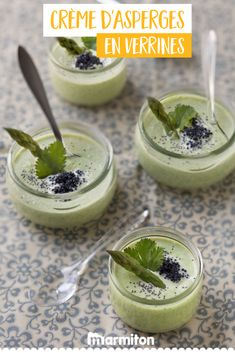 Cream of asparagus in verrines We love this light and fresh recipe of green asparagus cream in verrines, found on Marmiton vertes # spring # creamhouse Tonic Water, Tapas, Baked Onions, Aperol, Snack Recipes, Healthy Recipes, Sangria Recipes, Love Eat, Quick Snacks