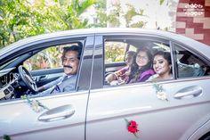 #weddingcar #bride #bridesfamily #christianwedding #incognitoframes #chennaiwedding #candidweddingphotography
