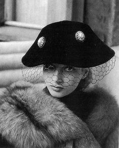 Gisela Ebel in black veiled hat by Mme. Berthe, photo by Hubs Flöter, 1951