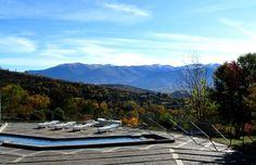 Vue sur les montagnes depuis les bains thermaux de Dorres