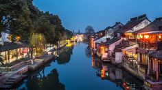 Chine Xi Tang près de Hangzhou - Evening blue at XiTang watertown village Photo by Calvin Chan — National Geographic Your Shot - Blue hour moment just after sunset at Xi Tang watertown in between Hangzhou and Shanghai (China). Here you can see the ancient historic site of the watertown of Xi Tang