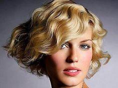Otoño/Invierno 2013-2014: Cortes de pelo rizado corto para mujer. Renueva tu look con los siguientes cortes de pelo para cabello rizado de 2013/2014. http://www.guiasdemujer.es/st/mujeremprendedora/Cortes-pelo-rizado-corto-OtonoInvierno-2013-2014-Las-tendencias-FOTOS-2327