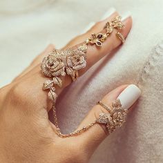 Check out our latest creation in rose gold #diamonds #rosegold #ring #rings #gold #jewellery #jewels #rose #roses #flowers #flowerring #precious #jewelry #dubai #mydubai