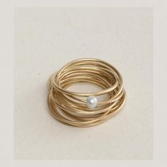 Lia Di Gregorio Gioielli...I never pin rings, or really wear rings, but this is pretty.