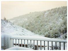 Vistas desde Finca Seguró. Un paisaje blanco y puro, del que se respira tranquilidad... Nevada, Outdoor, White People, Scenery, Outdoors, Outdoor Games, Outdoor Life
