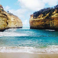 #lochardgorge #greatoceanroad #gor #12apostles #roadtrip #australia #victoria #sea #magnifique #blue #sky #lala #australie #bleu #blau #travel #nature #coast #cove #beautifull #waves #ocean #visitvictoria #heaven by velavinia http://ift.tt/1ijk11S