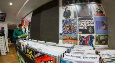 Wer auf der Suche nach dem richtigen Weihnachtsgeschenk ist, der könnte auf der Vinylbörse zum 10. Adventfensterl bei dimarco.at in Klagenfurt fündig werden.