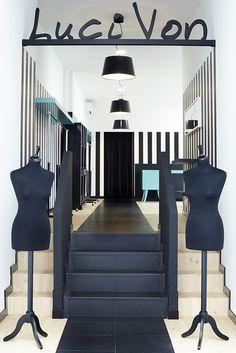 Reforma interior local comercial. Moda. Luci Von. Vigo. Sra. Farnsworth Estudio de Arquitectura. Fotografía: Pablo Senra