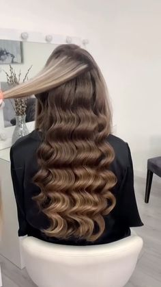 Quince Hairstyles, Wedding Hairstyles For Long Hair, Bride Hairstyles, Formal Hairstyles, Hair Ponytail Styles, Curly Hair Styles, Hollywood Hair, Hollywood Waves, Hair Upstyles