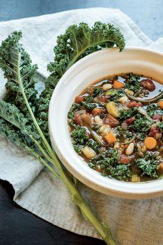 Soupe-repas à la portugaise Ramen, Vegetable Recipes, Healthy Recipes, Healthy Food, Vegetables, Cooking, Ethnic Recipes, Kitchen, Algarve