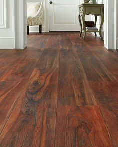 Michelle - Blog #Vinyl #floor Fonte : http://www.homedepot.com/p/TrafficMASTER-Allure-Ultra-Wide-Red-Hickory-8-7-in-x-47-6-in-Resilient-Vinyl-Plank-Flooring-with-SimpleFit-End-Joint-20-06-sq-ft-case-100217S/204476774?pp=1
