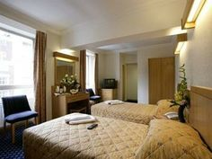 Located in Camden, the Royal National Hotel is a short walk from Russell Square