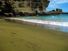 Playa de Arenas Verdes//holestories.com