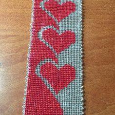 Loom Bracelet Pattern: Flower Power for cuff bracelet Loom Bracelet Patterns, Seed Bead Patterns, Loom Bracelets, Jewelry Patterns, Beading Patterns, Cross Stitch Bookmarks, Cross Stitch Heart, Plastic Canvas Crafts, Etsy App