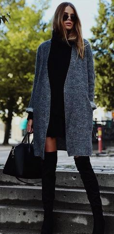 Shoe Trends for Fall Winter 2019 sneakers slouch boots sock boots sock boots fall fashion trends shoe trends cowboy boots . New fashion trends for women over 40 and over Over 50 Womens Fashion, 50 Fashion, Fall Fashion Trends, Fashion 2020, Winter Fashion, Fashion Outfits, Style Fashion, Fashion Women, Casual Winter Outfits