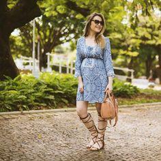 Domingo  De vestido @bazzarmodernooficial e sandália gladiadora Dumond pra almoçar hoje. #ootd #style #babybump #29semanas