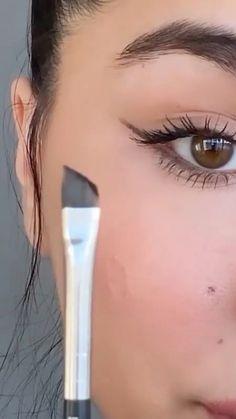 Makeup Tutorial Eyeliner, Makeup Looks Tutorial, Makeup Tutorial Videos, Wedding Makeup Tutorial, Prom Eye Makeup, Skin Makeup, Makeup For Big Eyes, Makeup Brushes, Romantic Wedding Makeup