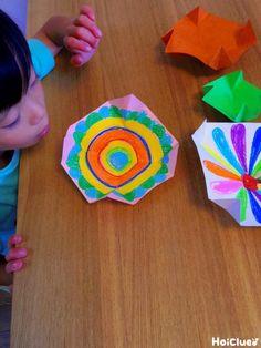 たった一枚の紙から生まれる「風コマ」〜遊び方のアレンジつき!幅広く楽しめる手作りおもちゃ〜 Activities For Kids, Crafts For Kids, Arts And Crafts, Origami Videos, Toddler Classroom, Homemade Toys, Paper Toys, Diy Toys, Childcare