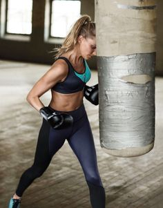 Victoria's Secret Angels Jasmine Tookes, Martha Hunt, Stella Maxwell, Elsa Hosk and Romee Strijd get physical for Victoria's Secret Sport's Fall 2015 campaign. Sport Chic, Vs Sport, Elsa Hosk, Michelle Lewin, Weight Lifting, Under Armour, Victoria's Secret, Fit Girl Motivation, Health Motivation
