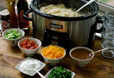 """If you've got tons of leftover mashed potatoes and don't feel like eating them as is, turn them into something different altogether, whether it's a new meal or a loaf of bread to accompany one. Mashed Potato Bar: [media-credit name=""""Chin Deep"""" align="""". Crock Pot Slow Cooker, Slow Cooker Recipes, Crockpot Recipes, Cooking Recipes, Skillet Recipes, Cooking Gadgets, Kitchen Gadgets, Mashed Potato Bar, Crockpot Mashed Potatoes"""