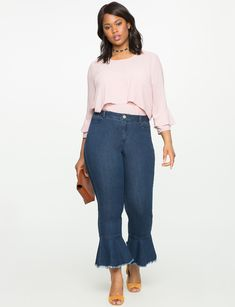 17 Sites For Plus-Size Jeans And Shorts That Are Stylish And Affordable Plus Size Casual, Plus Size Jeans, Ripped Jeans, Hem Jeans, Fashion Over, Girl Fashion, Womens Fashion For Work, Women's Fashion Dresses, Hot