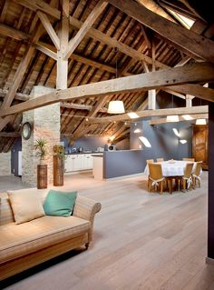 Bright oak floor, combined with an open living space and great oak … - DIY Traumhaus