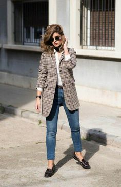 Plaid blazer / autumn street style fashion Week , Plaid Blazer / Fall street style fashion , Street Style Source by fromluxewithlove Look Blazer, Plaid Blazer, Blazer Outfits, Blazer Fashion, Casual Outfits, Fashion Outfits, Oversized Blazer, Checked Blazer, Work Outfits