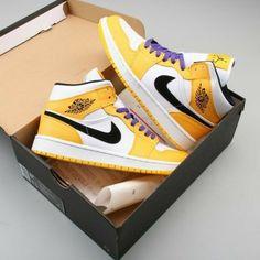 Jordan Shoes Girls, Air Jordan Shoes, Girls Shoes, Cute Sneakers, Sneakers Nike, Casual Sneakers, Casual Shoes, Nike Air Jordan, Zapatillas Nike Jordan