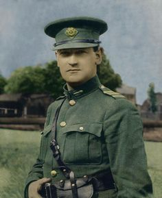 in 1921 – In an extremely hostile environment over the Treaty debate, Michael Collins smells some dirty work and addresses the House. – Stair na hÉireann/History of Ireland Michael Collins, Irish Celtic, Irish Men, Ireland 1916, Irish Independence, The Ira, Erin Go Bragh, Irish American, American Girl
