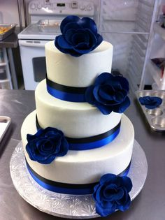 Most Popular Ideas Royal Blue Wedding Cake Toppers Amazing Wedding Cakes, Elegant Wedding Cakes, Wedding Cake Designs, Amazing Cakes, Trendy Wedding, Wedding Ideas, Cake Wedding, Wedding Fair, Wedding Parties
