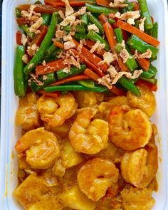 Shrimps and potatoes yellow curry with sautéed green beans and carrots. Love the colours but mostly the taste. Simply delicious!! #curry #yellowcurry #shrimp #potatoes #greenbeans #sauteedveggies #sauteed #lunch #lunchtime #dinner #tastyfood #delicious #healthymeal #homecook #homemadefood #foodstagram #lovetocook #foodprep #foodpic #foodie #ownrecipe #garnalen #aardappel #kari #udang #groenten #lekker #lekkergezond #madetoorder #foodshare